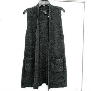 Tahari NWT long knit sleeveless jacket XS